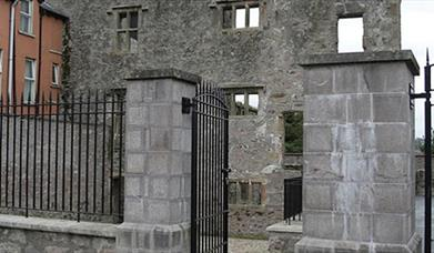 Newtownstewart Castle